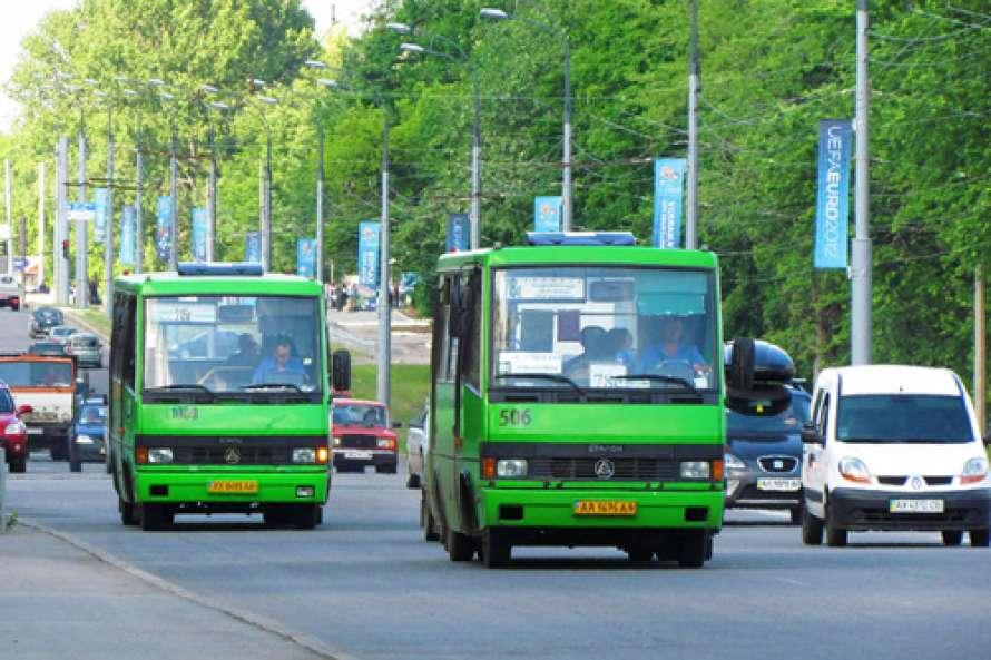 «Если не ездят частные перевозчики - поедем мы». По Харькову будет курсировать муниципальный транспорт
