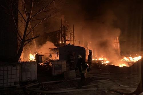 Взрыв и пожар на предприятии в Харькове: стали известны подробности (фото, видео)