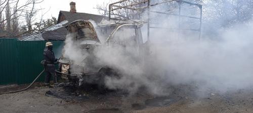 В Харькове сгорел грузовик (фото)