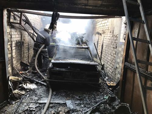 Житель Харькова за день лишился гаража и личного транспорта (фото)