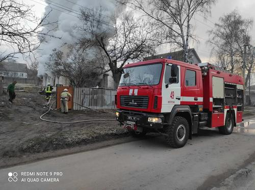 На Харьковщине за сутки сгорело несколько домов (фото)