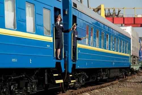 Ночная стрельба в поезде на Харьковщине: вагон отцепили, стрелявших разоружили только под утро