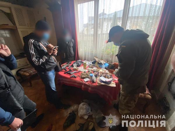 Страшно рядом жить: в Харьковской области граждане пожаловались на соседа (фото)
