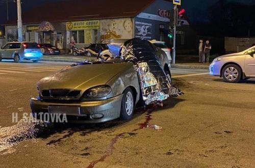 Летел на большой скорости и несколько раз перевернулся: появилось видео смертельной аварии в Харькове
