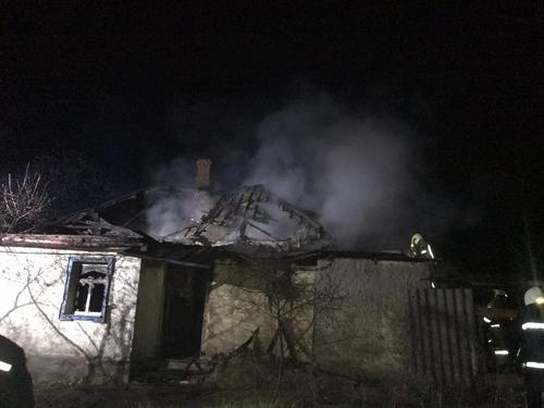 В Харьковской области молодой мужчина погиб в арендованном доме (фото)