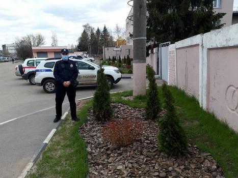 На территории школы под Харьковом произошел неприятный случай (фото)