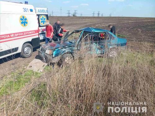 Семь человек попали в больницу после аварии под Харьковом (фото)