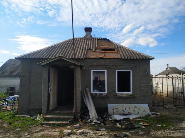 На Харьковщине среди белого дня сгорел дом (фото)