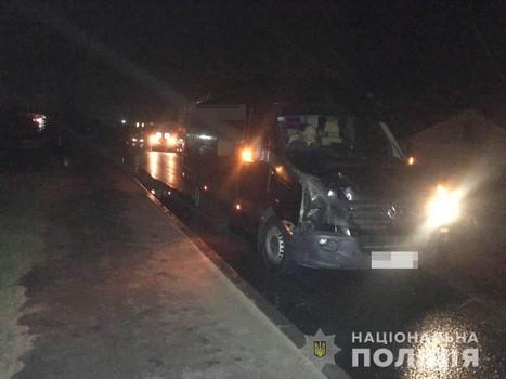 На Харьковщине микроавтобус сбил пешехода (фото)