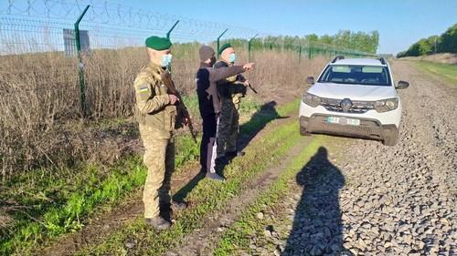 На Харьковщине поймали мужчину, который шел пешком в чужую страну