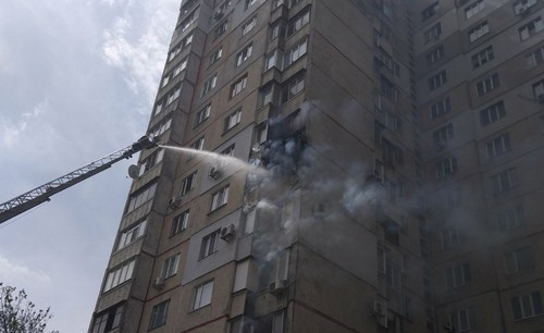 Экстренная эвакуация: пожар в Харькове (фото)