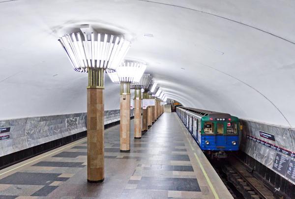 В харьковском метро случилось ЧП: контактный рельс пришлось обесточить