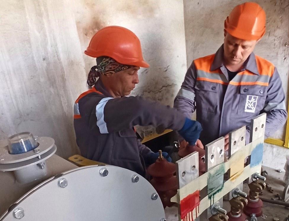 На Харьковщине энергетики модернизируют сеть ради установки оборудования для диагностики коронавируса