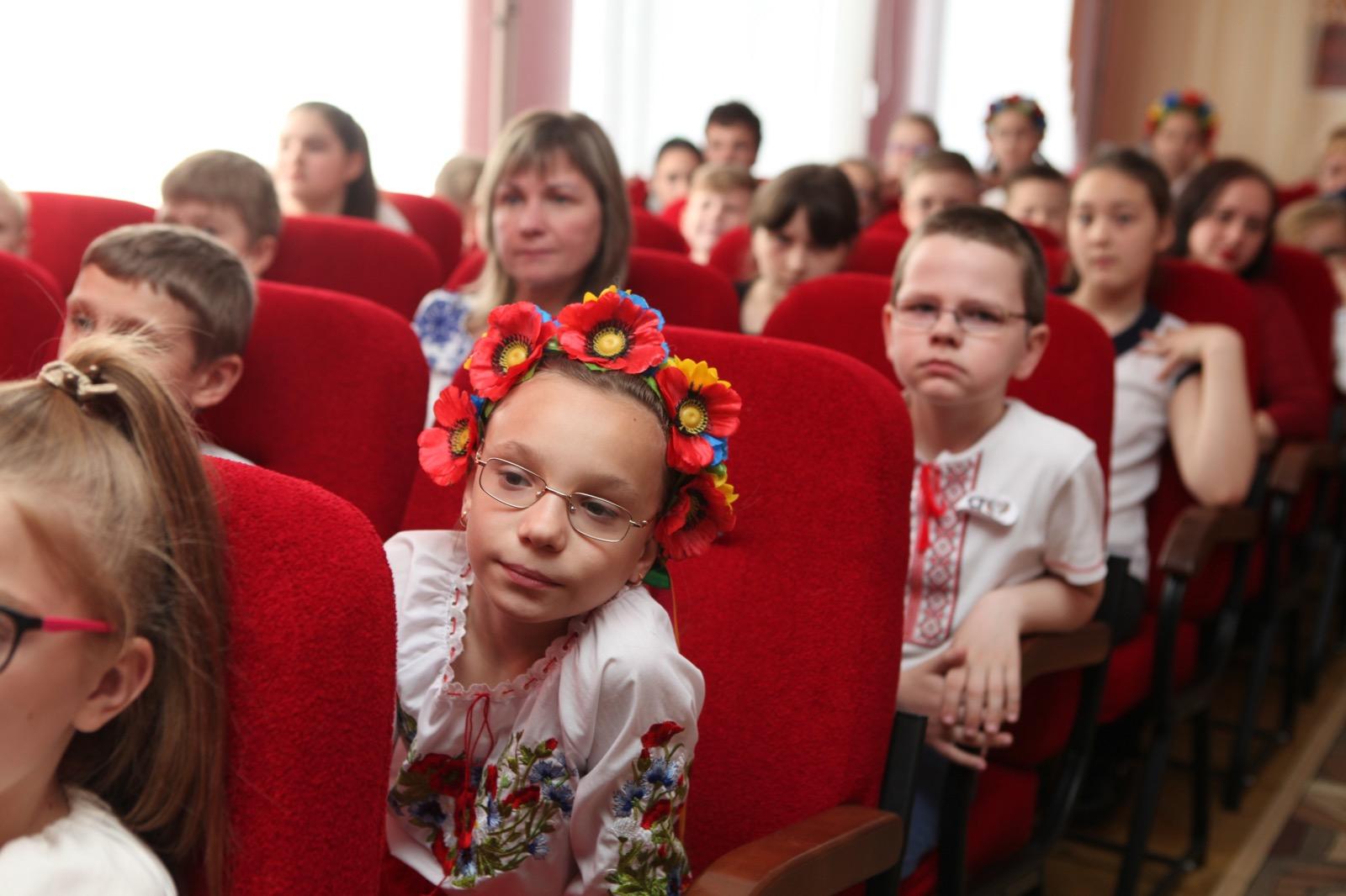 Что делать в опасных ситуациях: харьковские энергетики провели необычный урок для школьников  (фото)