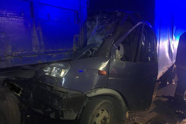 Кабина разбита вдребезги: авария произошла в Харькове (фото)