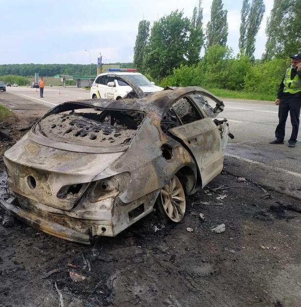 Водитель сгорел внутри салона: подробности смертельной аварии под Харьковом (видео)