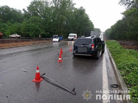 Бросил мертвого пассажира и машину. На Харьковщине разыскивают сбежавшего водителя (фото)