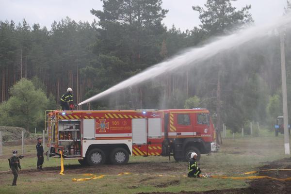 Загорелся аммиакопровод: на Харьковщине прошли масштабные учения (фото)