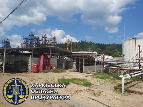 На Харьковщине вычислили подпольный нефтеперерабатывающий завод (фото)