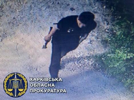 Харьковские правоохранители попали в крупные неприятности из-за мужчины с топором