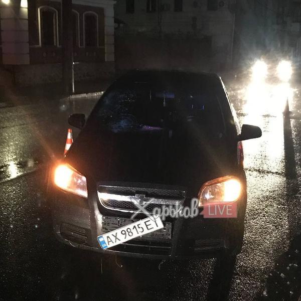 Ночное происшествие в Харькове: пенсионер вышел гулять под проливным дождем и чудом остался жив (видео)