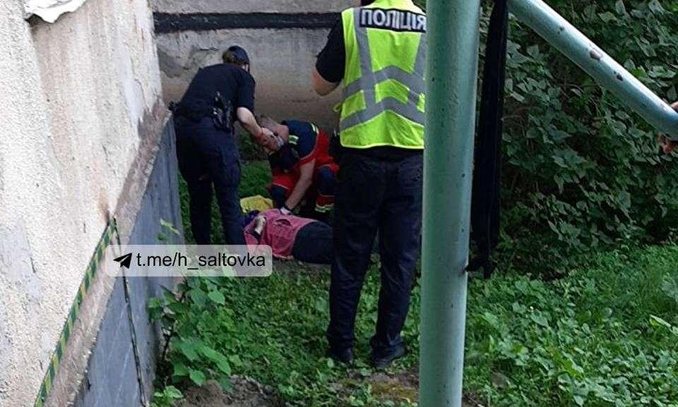 Пенсионерка из Харькова покончила с собой на глазах у соседей