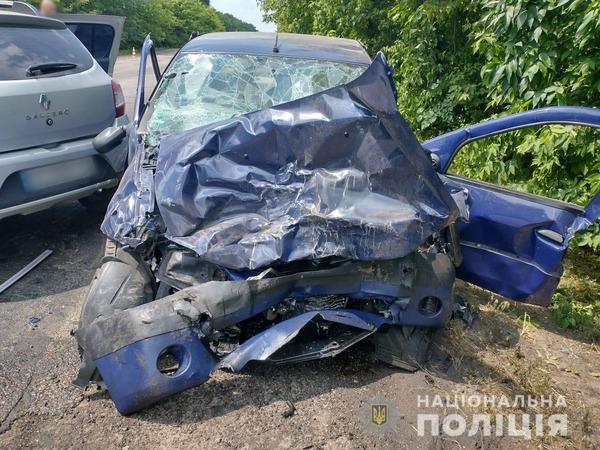 Серьезное ДТП на Харьковщине: один человек умер, среди пострадавших – маленький ребенок (фото)