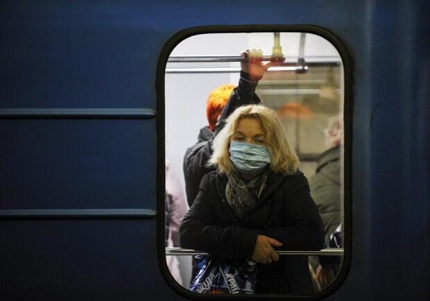 Проверки в транспорте и на вокзалах. В Харькове снова усилят карантинные ограничения