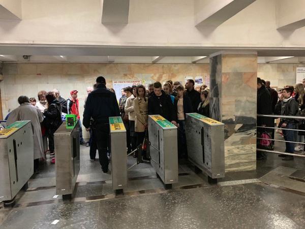 Правила перевозки багажа в харьковском метро: за что придется платить пассажирам