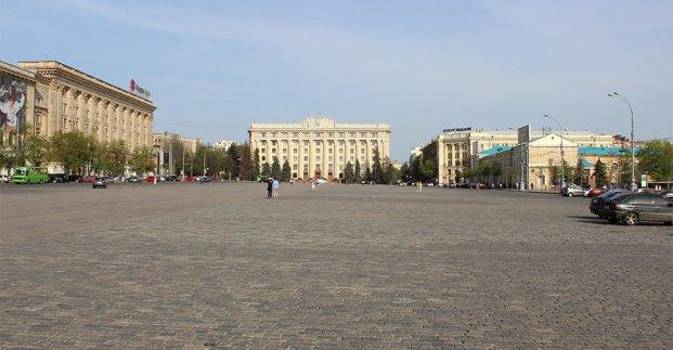 В Харькове из-за подготовки к праздникам надолго перекрыли центр города
