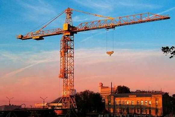 Харьков в XXI веке. 20 сентября - башенный кран упал на двухэтажный дом