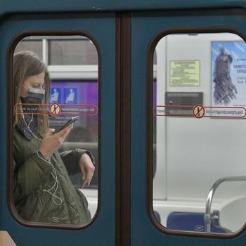 Врачи рассказали, как не заразиться коронавирусом в общественном транспорте
