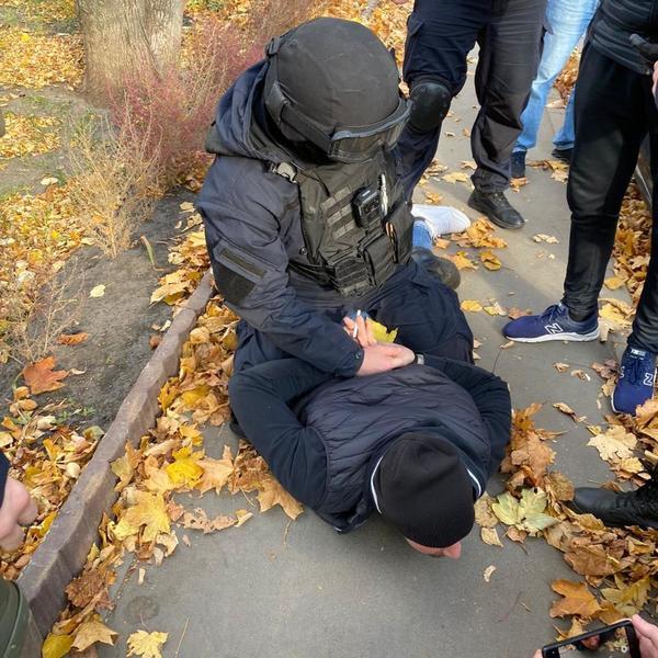 Опасного убийцу задержали посреди улицы в Харькове (фото, видео)
